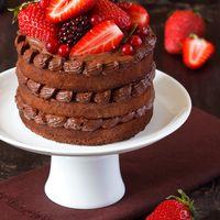 нежный шоколадно-клубничный торт для любого мероприятия