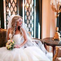 Роскошная фотосессия нашей невесты Дарьи! На Даше свадебное платье Pronovias! Спасибо за долгожданное фото, нам безумно приятно!!!