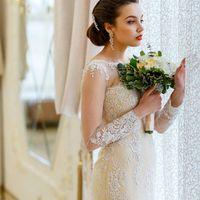 """Платье невесты: бутик """"PERSONA""""  Букет: Julisvadba  Макияж: @margarita_mua  Причёски: @nataliya_stilist_parikmaher  Место съёмки: банкетный комплекс """"Националь"""" На невесте свадебное платье """"Меланта"""" Gabbiano"""