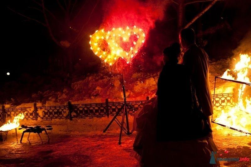Свадебное огненное шоу - фото 124379 Световое и огненное шоу - Extravaganza show