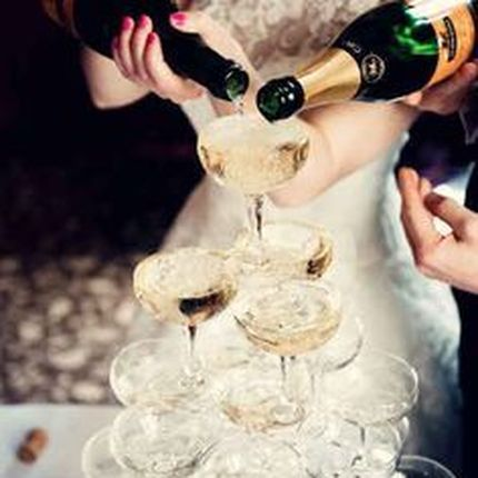 Горка, пирамида шампанского