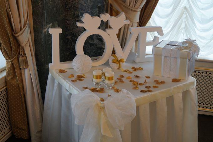 Столик для свадебного торта фото