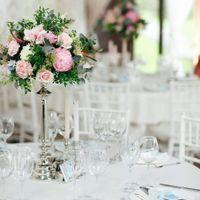 цветочная композиция, декор гостевых столов, розовая свадьба, розово-голубая свадьба, серебряные подсвечники