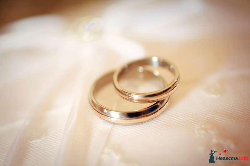 Обручальные кольца из желтого золота, выполненные в классическом стиле - фото 119078 Невеста01