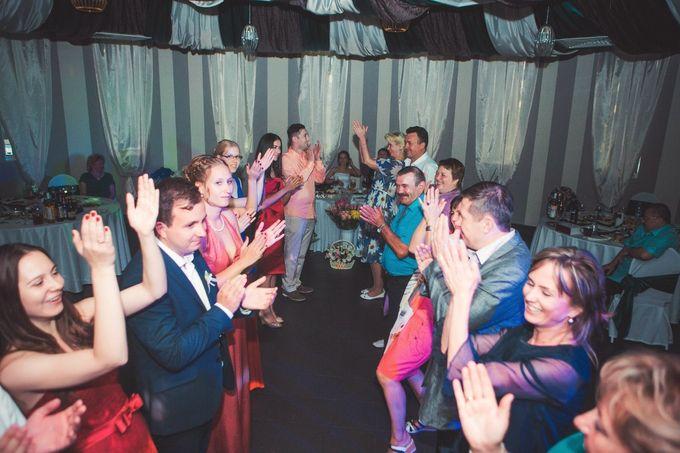 Баттл - всегда сплачивает гостей, поколения, учащает сердечные ритмы и пульс! Мероприятие очень веселое и более чем энергичное! Надо их проводить, когда это уместно!