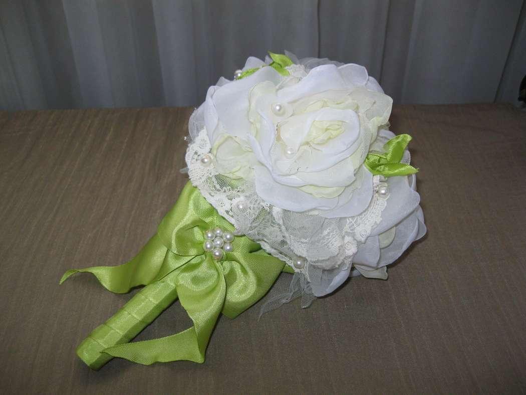 100 мастер-классов по изготовлению цветов из ткани, лент, органзы, фетра 14