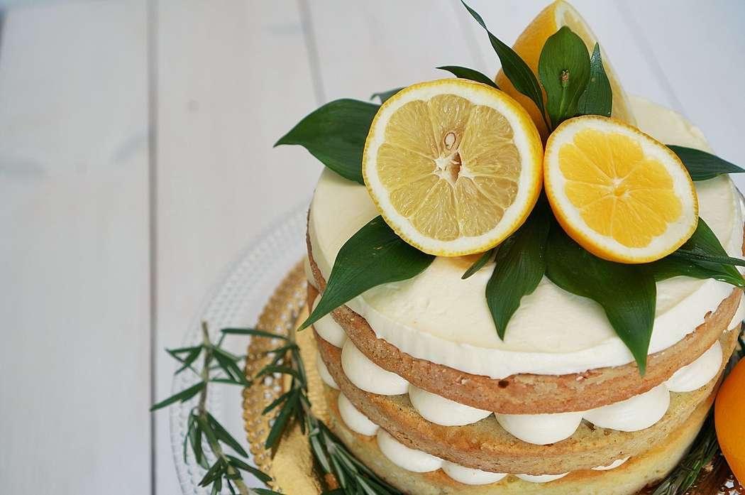 Лимонный торт в стиле рустик - фото 4561481 Ма Бейкер - свадебное печенье, торты, сладкий стол