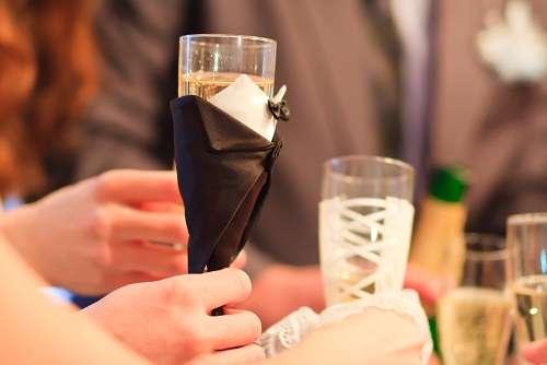 """Фото 1438515 в коллекции Свадебные бокалы в костюмах жениха и невесты - Свадебные бокалы """"в костюмах жениха и невесты"""""""