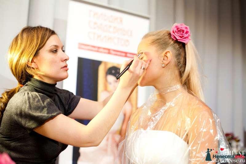 Фото 131859 в коллекции Чемпионат свадебных стилистов Wedding Style 2010 - Свадебный стилист Юлия Зайченко