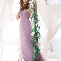 Платье из лиловой органзы