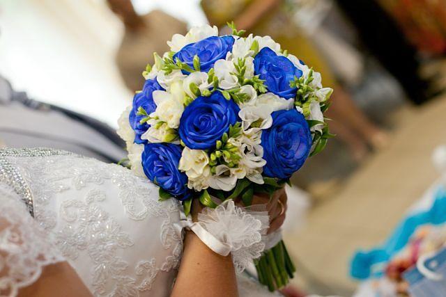 Свадебные букеты для невесты с синими цветами фото 2017, магазин цветов