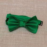 Атласная галстук-бабочка зеленого цвета. Стоимость бабочки - 790р.  Чтобы заказать пишите в л.с.  или по т. +7 950 038 54 26