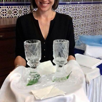 Ледяные бокалы и фужеры для шампанского