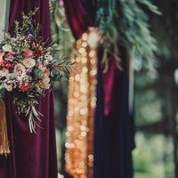 Букет невесты с розой, тюдьпанами, гвоздикой и эвкалиптом Работа флористов филиала г.Магнитогорск
