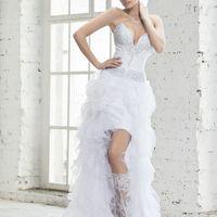 1545 Платье - трасформер. Съемный шлейф-юбка. Основа короткое платье. В салоне можно примерить в 42 размере