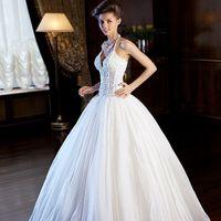 Свадебное платье  42 размера, белого цвета. Цена  16000 руб.   (  бывшая цена 31300 руб )