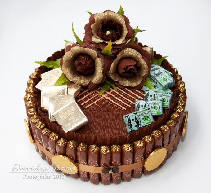 Шоколадный торт из конфет