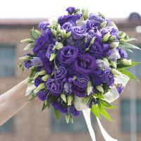 Букет невесты из фиолетовой эустомы