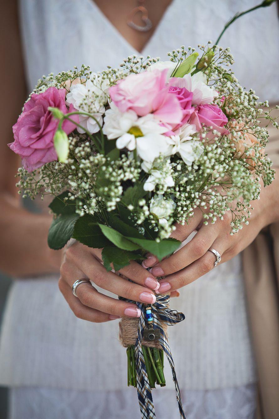 Дню, букет невесты из гипсофила и розах