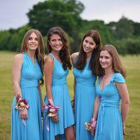 Юные подружки невесты в голубом