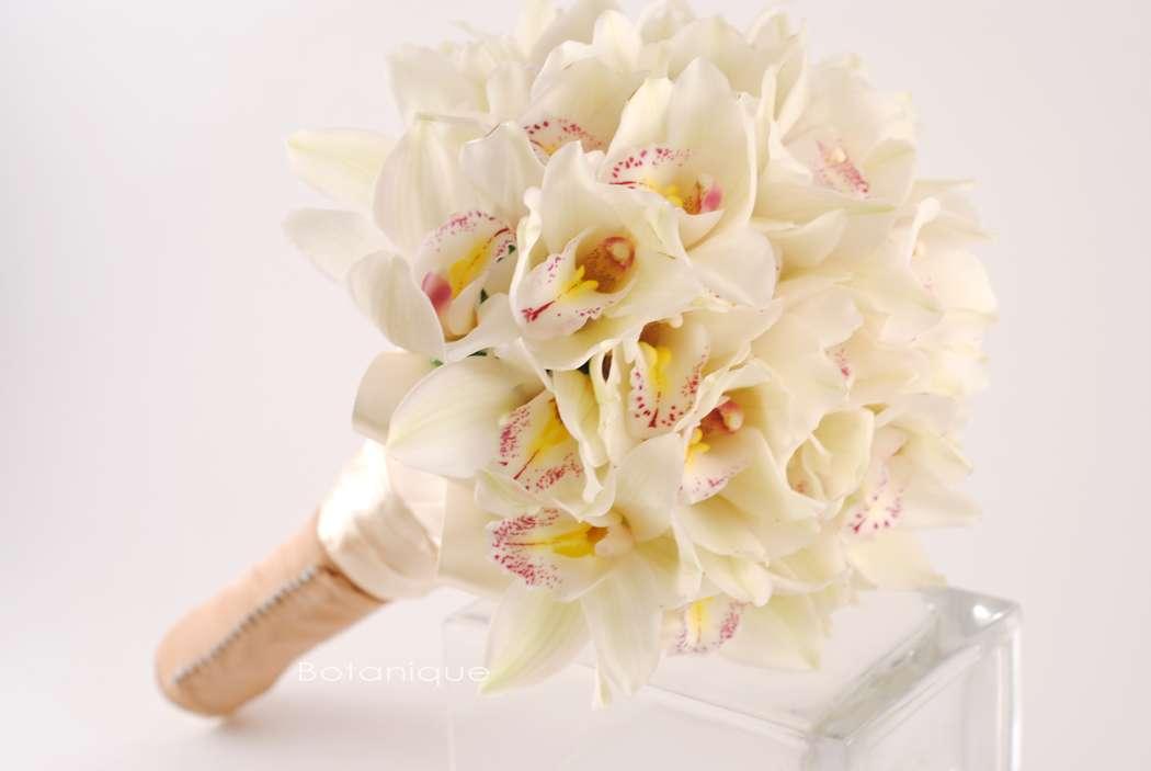Работа букет, нестандартные букет невесты из орхидеями фото