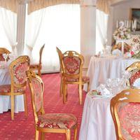 розовая свадьба декор стола гостей композиция из цветов