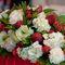 Клубничная композиция из цветов