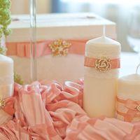 стол молодых розовый золотой декор свечей