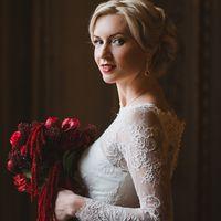 малиновый бордодвый букет невесты