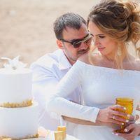 свадебный белый и золотой торт