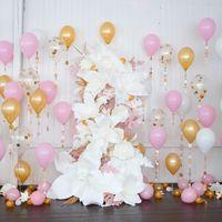 фотозона на свадьбу с шарами и цветами