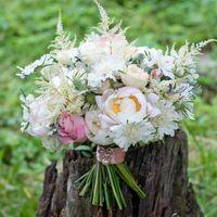 Нежный бело-розовый букет невесты