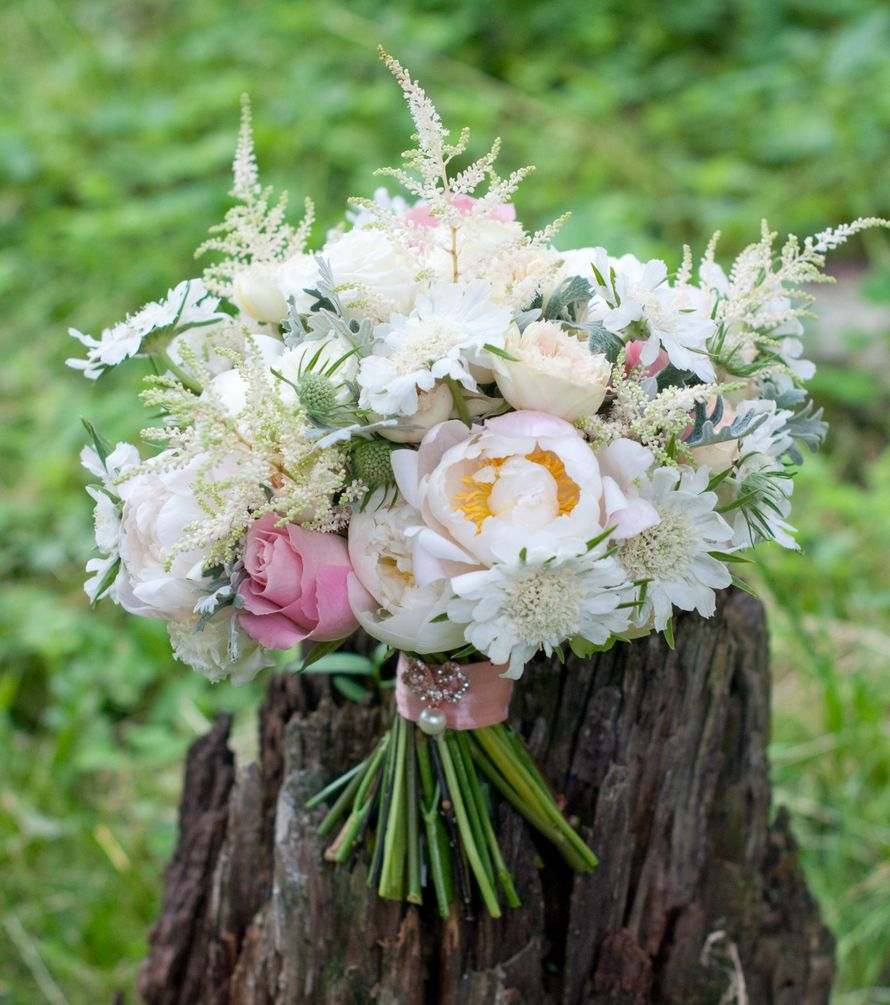 """Нежный бело-розовый букет невесты - фото 16311436 Студия флористики и декора """"Глориоза"""""""