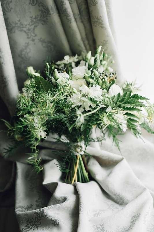 """бело-зеленый свадебный букет - фото 16311546 Студия флористики и декора """"Глориоза"""""""