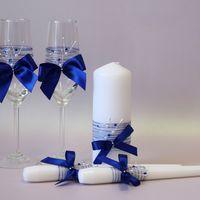 Свадебные бокалы и свечи в едином стиле. Возможно иполнение в другом цвете.