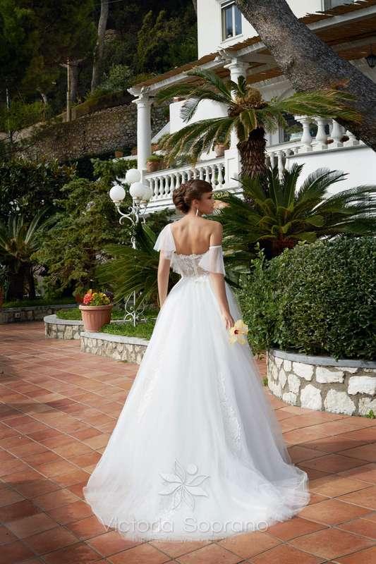 Penelopa - фото 13809696 Bondi blue - салон свадебных платьев