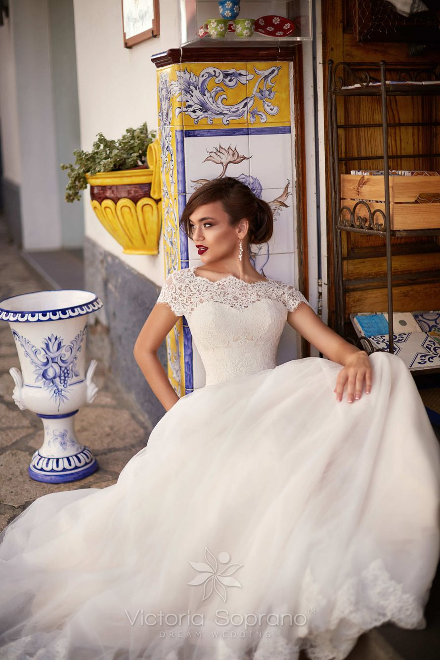 Ornella - фото 13809712 Bondi blue - салон свадебных платьев