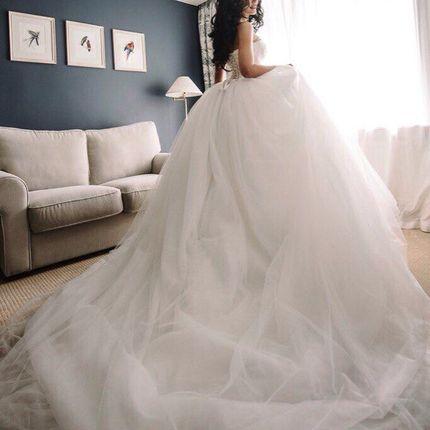 Свадебное платье со шлейфом, арт. 1064