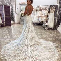 Свадебное платье А1919. Продажа 28.500 руб. Прокат свадебных и вечерних платьев от 1.900 руб. до 14.500 руб. Есть отдельно ряд платьев для проката!