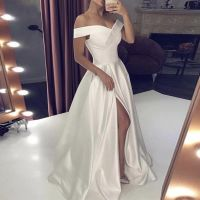 Свадебное платье А1949. Продажа 19.500 руб. Прокат свадебных и вечерних платьев от 1.900 руб. до 14.500 руб. Есть отдельно ряд платьев для проката!