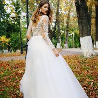 Свадебное платье А2010. Продажа 22.500 руб. Прокат свадебных и вечерних платьев от 1.900 руб. до 14.500 руб. Есть отдельно ряд платьев для проката!