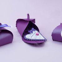 Комплимент гостям - магнитик из полимерной глины в виде сердечка. Прекрасно помещается в коробочку-бонбоньерку.