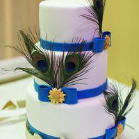 Свадебный торт с перьями павлина 12 кг