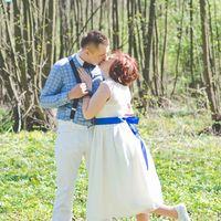 бабочка, невеста, жених, любовь,улыбка,поцелуй,свадьба в голубом,синяя лента, сердечки,природа,лес,невеста в кедах