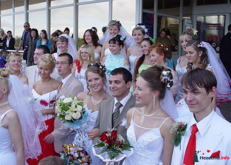 "Парад невест у ЦУМа. Северодвинск 2009. - фото 154447 Студия ""Свет"""