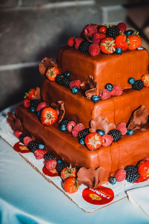 Украшения многоярусных тортов фото