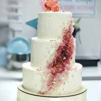 """Торт """"Драгоценность""""  стоимость 1900 Р/кг - закажите торт за 1 месяц или ранее и получите каждый 3-ий кг в подарок"""
