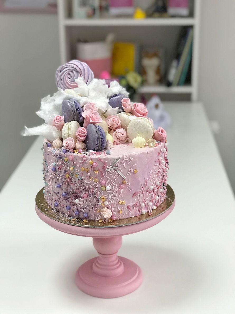 """Торт с декором """"Сладкая россыпь""""  стоимость 1900 Р/кг - закажите торт за 1 месяц или ранее и получите каждый 3-ий кг в подарок - фото 17665312 Sweet - кафе-кондитерская"""
