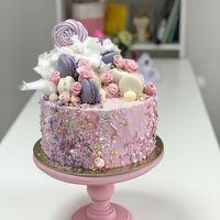 """Торт с декором """"Сладкая россыпь""""  стоимость 1900 Р/кг - закажите торт за 1 месяц или ранее и получите каждый 3-ий кг в подарок"""