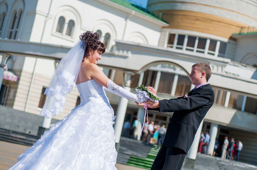 жених и невеста кружатся - фото 1966719 Фотограф Красова Юлия